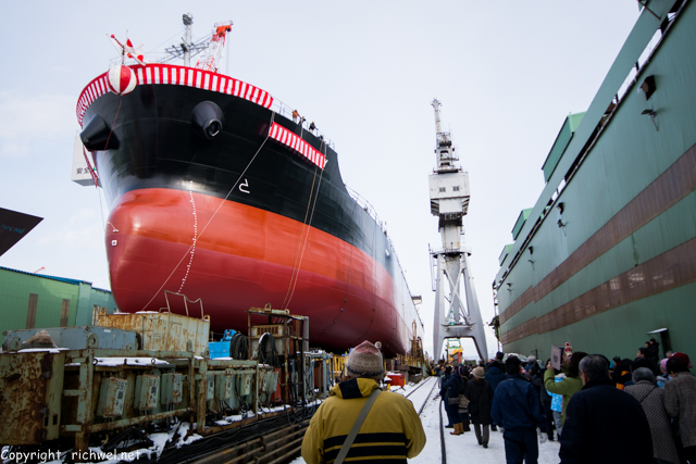 函館どつく 巨大船舶の進水式